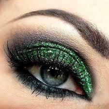 عکس, مدل های آرایش خاص با لباس های سبز