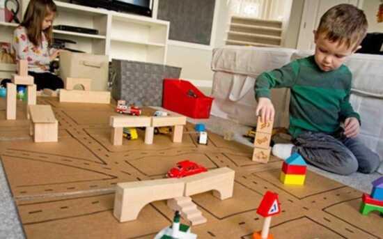عکس, درست کردن فضای بازی و بازی های خاص برای کودک در خانه